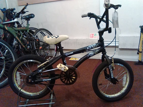 X-GAMES GO HUGE BMX STYLE 16 INCH BLACK/YELLOW GOOD CONDITION
