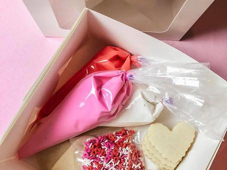 DIY Valentine's Day Cookie Boxes!