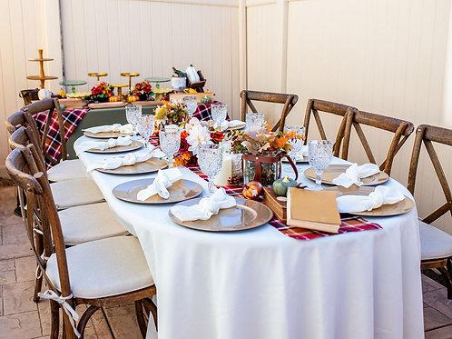 Rustic Getaway - Guest Table