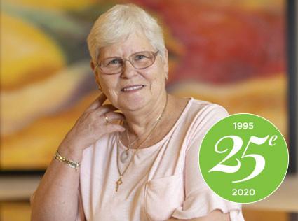25e anniversaire: Souvenirs de Mme. Carmen Dubé, Animatrice et professeure de danse en ligne