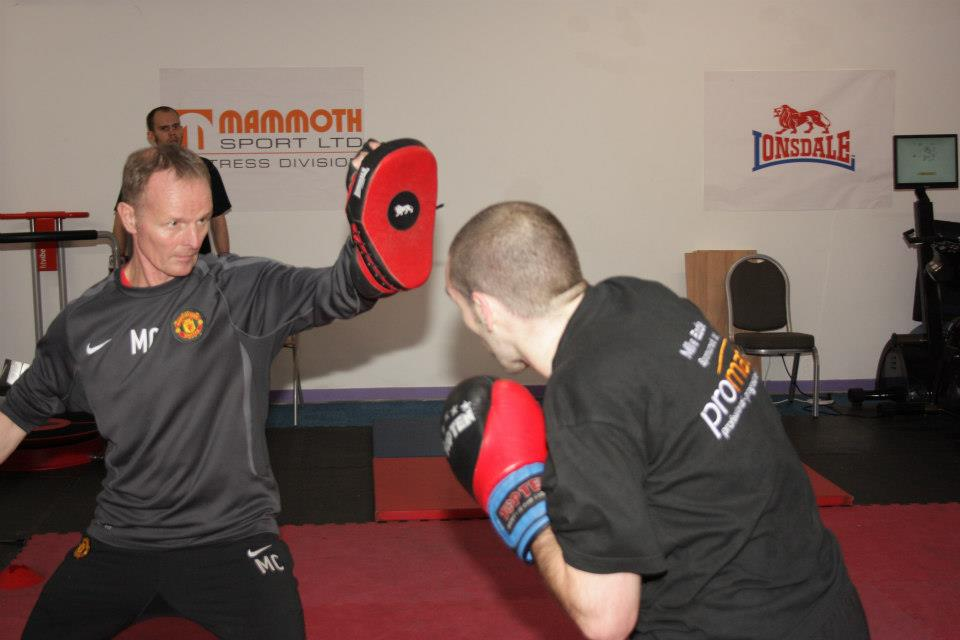 Mick Clegg boxing with Mike Eade