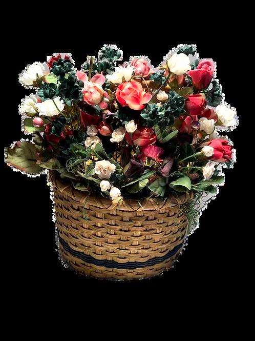 Lighted Basket of Flowers