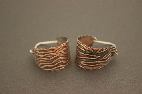 Scalloped Edge Copper Hoop Earrings