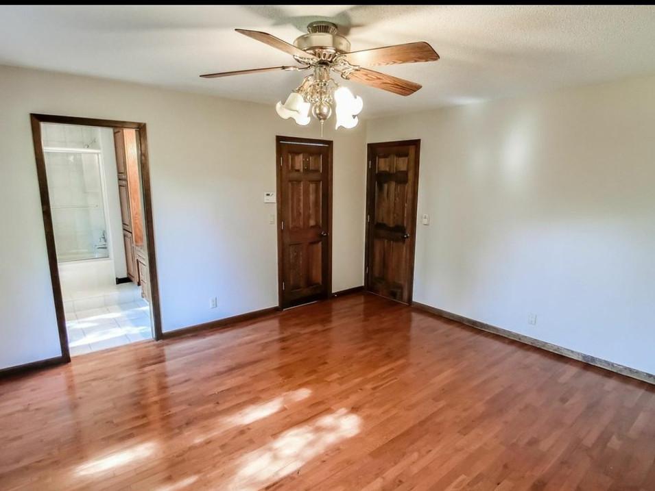 vacant master bedroom
