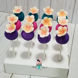 Hawaiian themed Cakepops