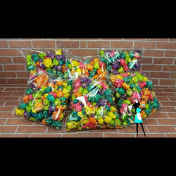 Rainbow popcorn !!! Add a dozen to your next order! Different Colors to match your theme!#celebrate#