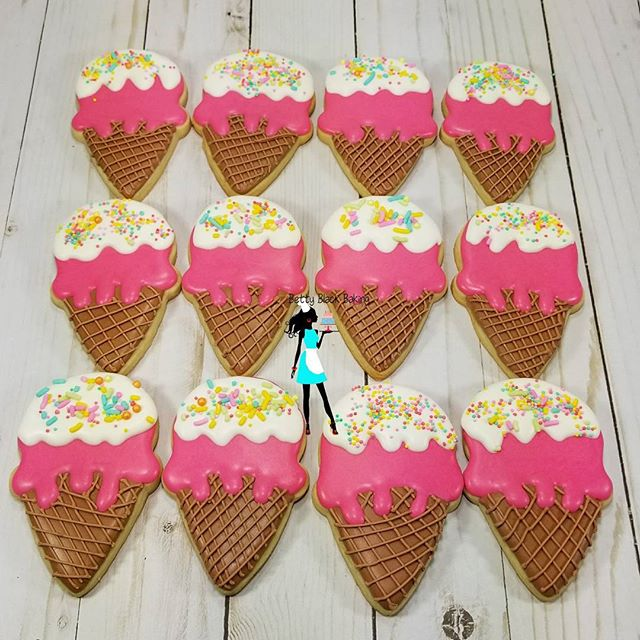 Ice cream cone sugar cookies!! Summer is here!#sugarcookies#decoratedcookies#icecreamcookies#customc