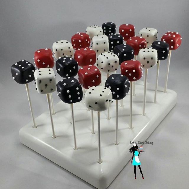 Dice cake pops #dicecakepops#pokernight#casinotheme#vanillacakepops#customcakepops#plantationcustomc