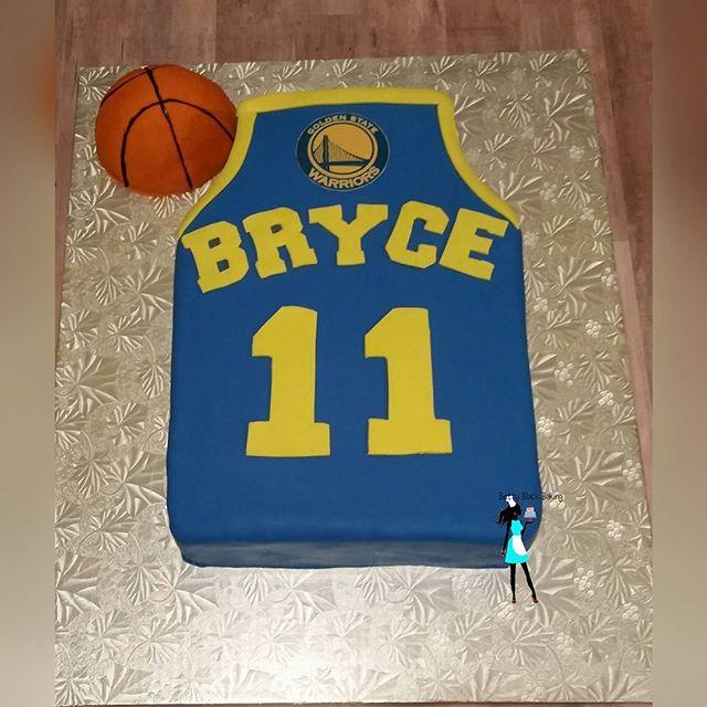 Basketball jersey Birthday cake