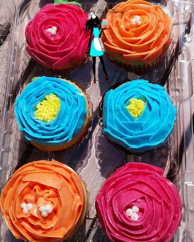 Happy Mother's Day!#cupcakes#koreanflowers#buttercream#vanillacupcakes#mothersday#plantation#sunrise