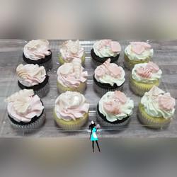 Bridal beach theme cupcakes