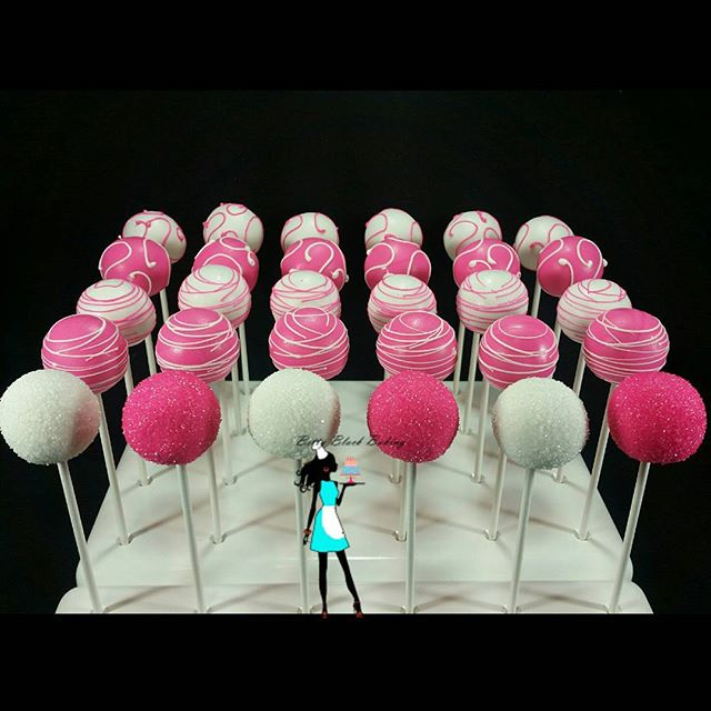 Bright pink, and white vanilla cake pops for a Sweet 16! #celebrate#sweet16parties#sweet16sweettreat