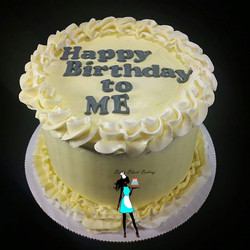 Simple Birthday cake for a friend. Vanilla Almond cake