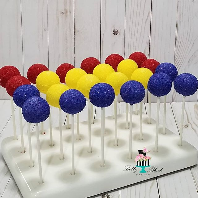Just some simple birthday cakepops