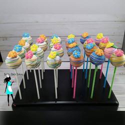 Luau 1st birthday cake pops#celebrate#girlbirthdays#birthdaycakepops#plantationcakepops#954baker#pla