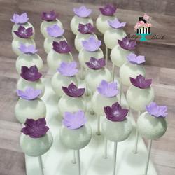 Purple & Lilac Floral cupcakes