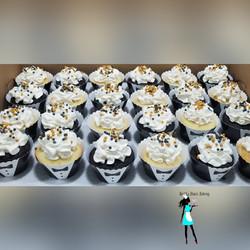 Tuxedo theme cupcakes