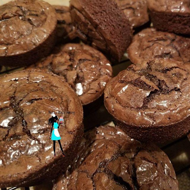 Snack time! Add some Brownie cups to your next order!#Brownies#fudgy#fudgybrownies#chocolatebrownies