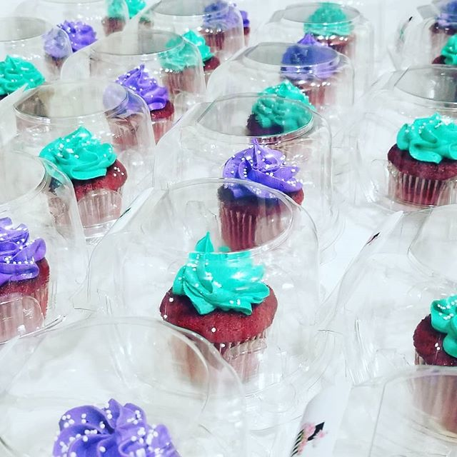 100 Mini cupcakes done for _cwplglobal C