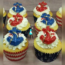 Anchors away vanilla cupcakes! #vanilla#vanillacupcakes#redwhiteblue#goldaccentscupcakes#plantation#