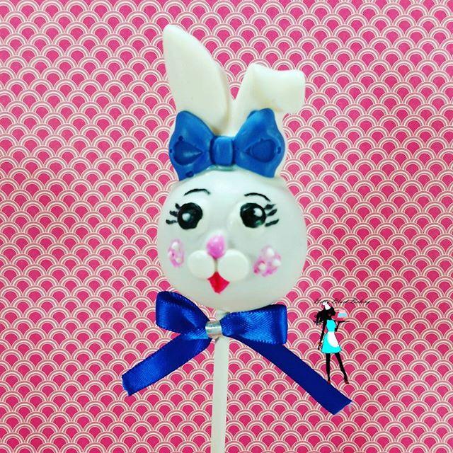 Bunny cake pop!