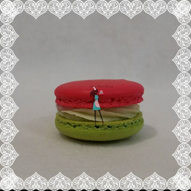 Happy Macaron Day! #celebrate#macaron#macaronmania#fluffymacs#glutenfreedesserts#plantation#sunrise#