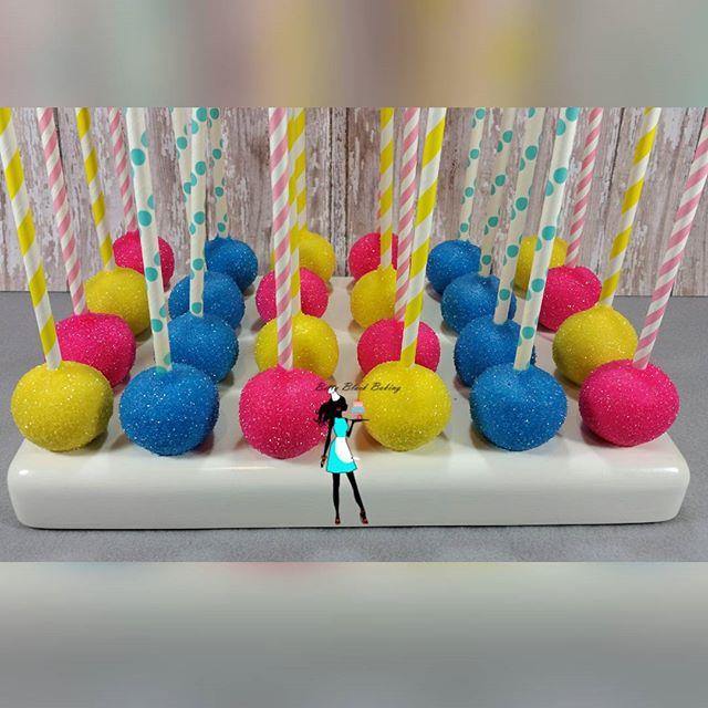 Strawberry and Vanilla cake popa for the birthday girl! #shopkins#celebrate#sweettreats #browardcake