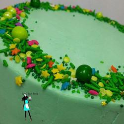 Simple green! Sprinkles  from _fancysprinkles #plantationcustomcakes#simplecakes#customsprinklecakes