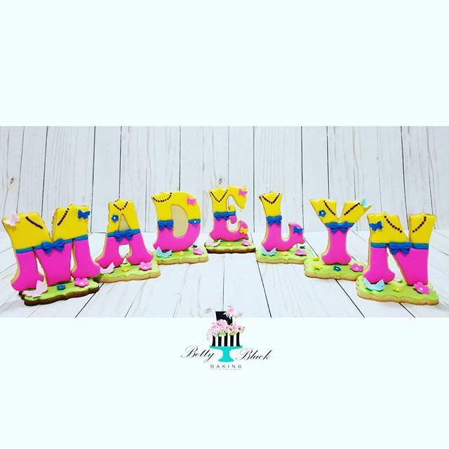 Fancy Nancy themed 3d cookies