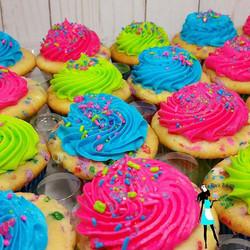 Funfetti cupcake! #sprinkles#pink#blue#green#plantationcupcakes#sunrise#ftlauderdale#broward#kidsbir
