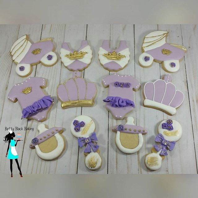 Royal princess themed baby shower cookies