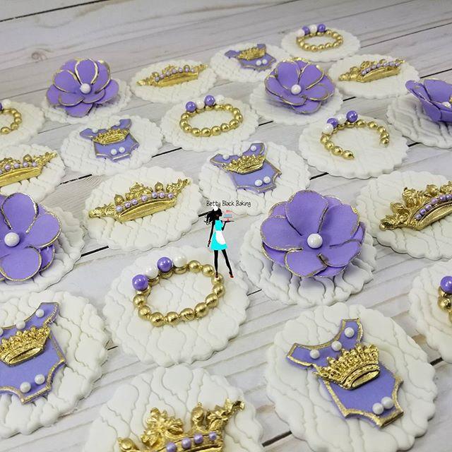 Cupcake toppers! Royal princess theme