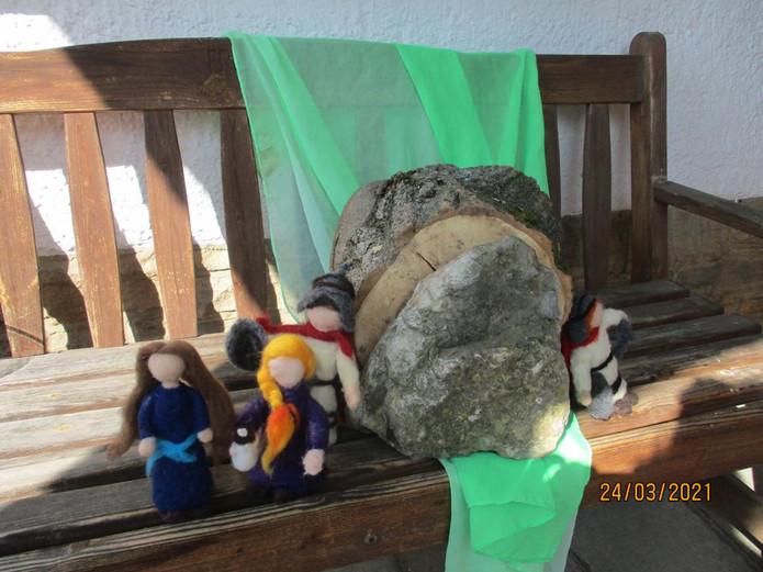 7b Jesus im Grab.JPG