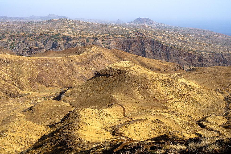 NSL06169 panoramica do Monte Angra para