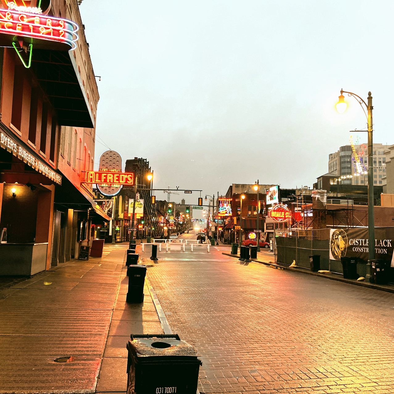 Quiet night on Beale