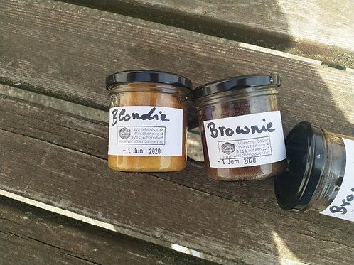 Brownie und Blondie Set mit Blüten