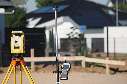 surveying-4204840_960_720.webp