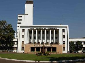 1200px-IIT_Kharagpur_Main_Building-min.j