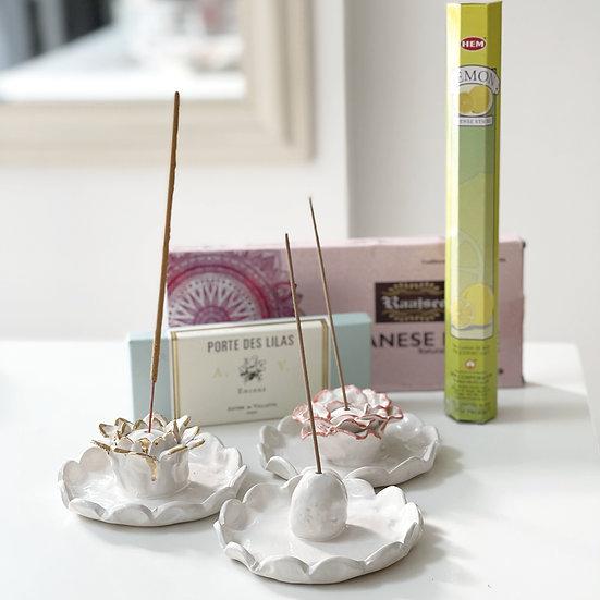 Flower and bobble incense holder