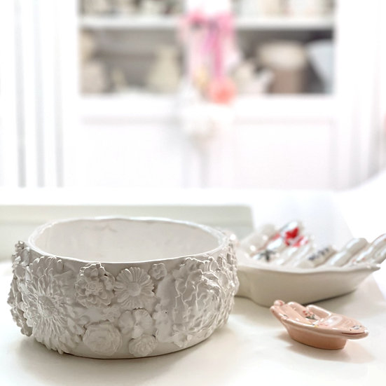 Chunky serving bowl/dish - full flower