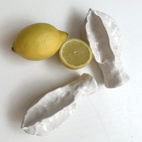 Lemon squeezer - handheld