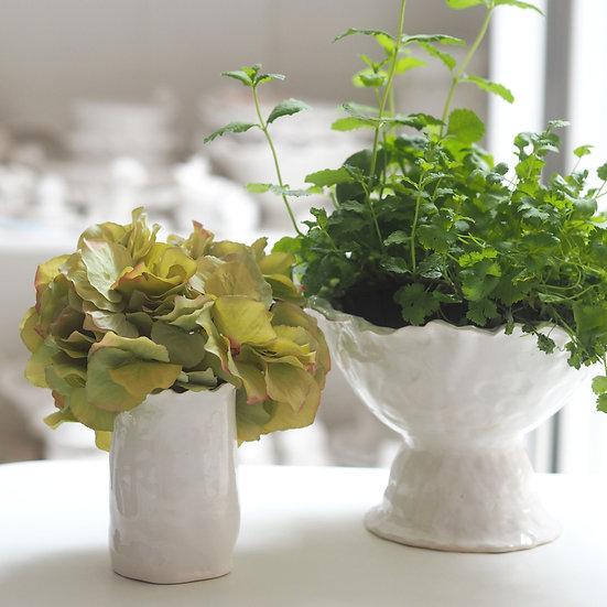 Wavy top small vase