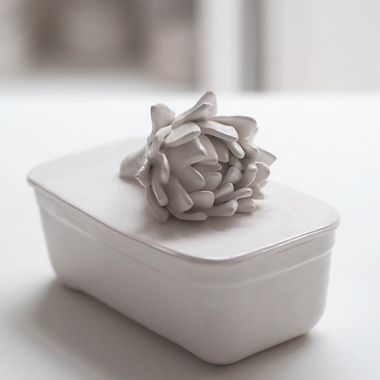 Plain butter dish - med, large