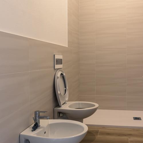 CRF IMPRESA EDILE bagno interno appartam