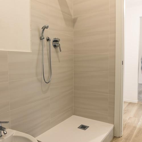 doccia bagno crf impresa edile.jpg