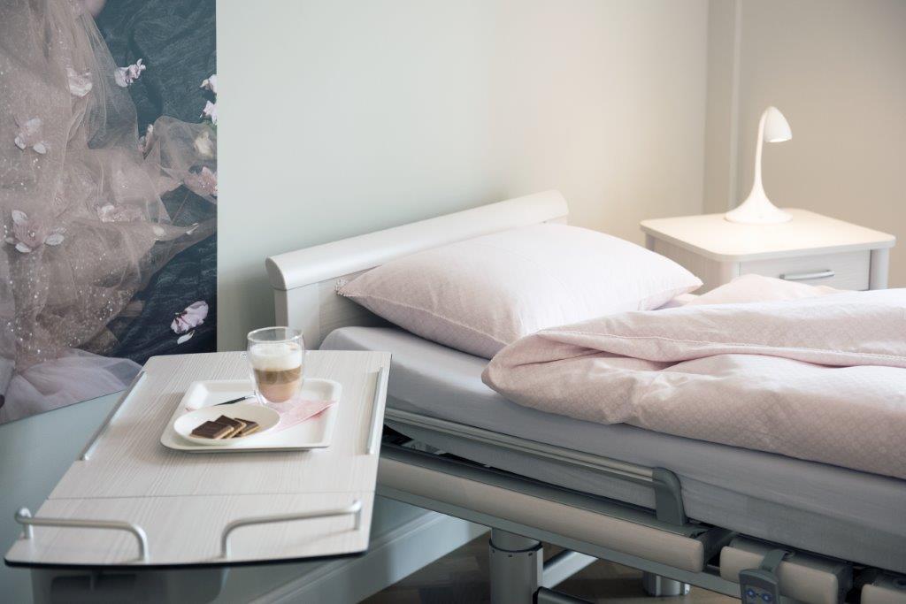 2019_S_Eggli_Neue_Klinik_Patientenzimmer