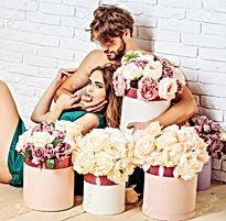 67562872-sexy-couple-young-beautiful-cut