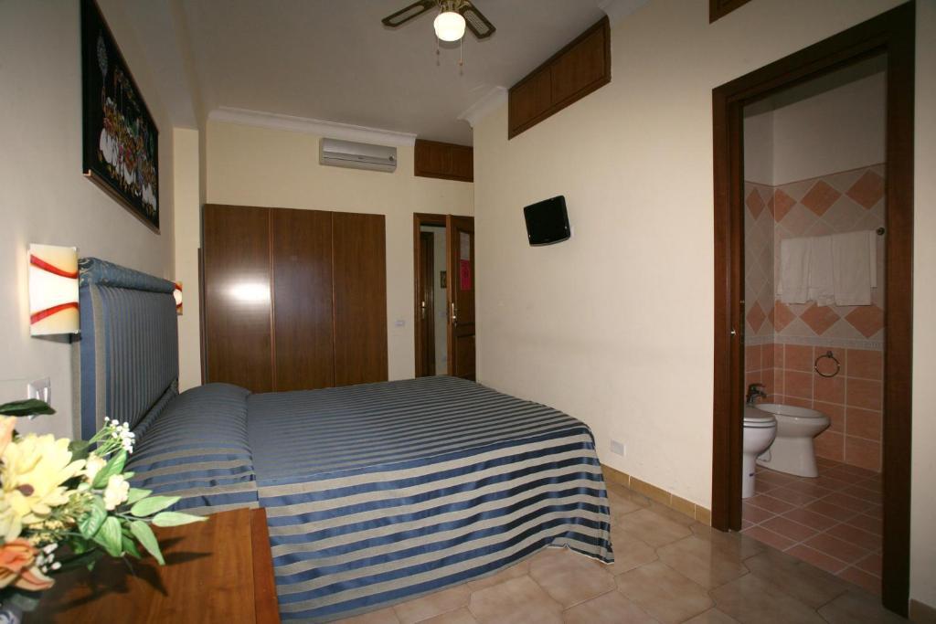 tiburtina-guesthouse-image-2.jpg