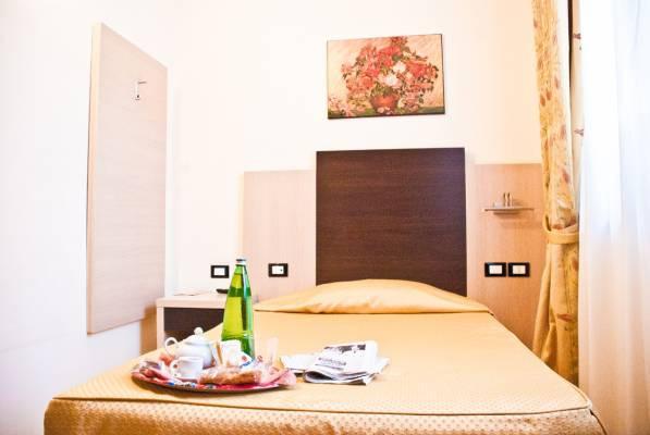 big_camera-hotel-tartari-guidonia-roma-2