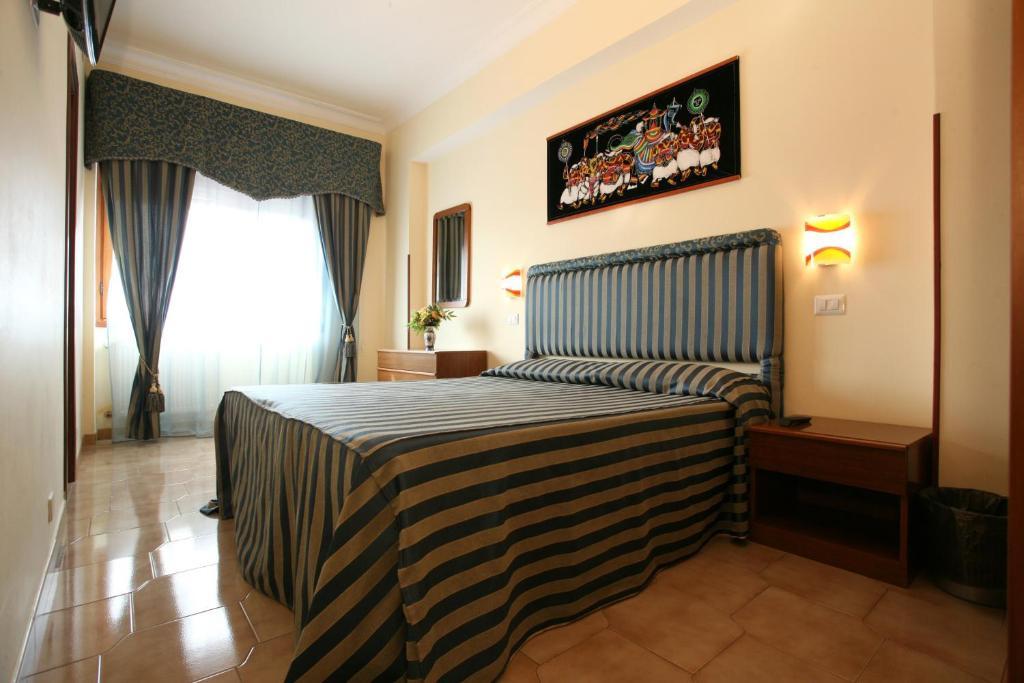 tiburtina-guesthouse-image-1.jpg